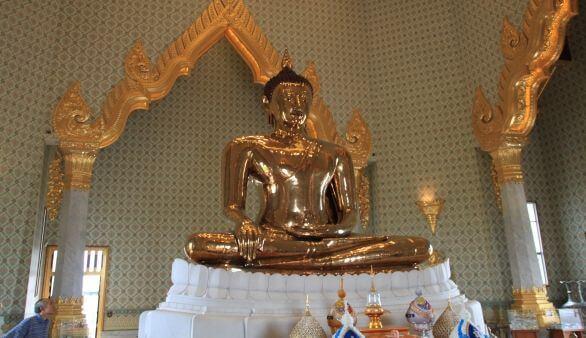 Goldener Buddha im Wat Traimit